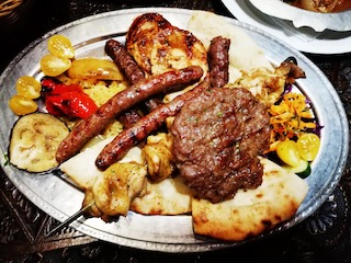 Ćevapi, grilled meat & pita bread